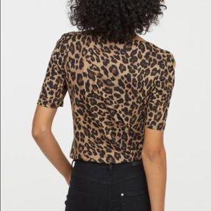 H&M Leopard Print Puff Sleeve T-Shirt